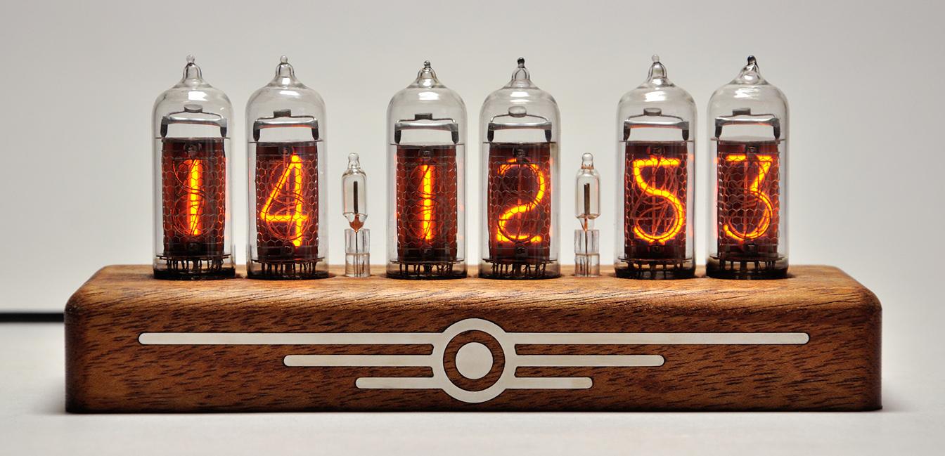 Часы на радиолампах