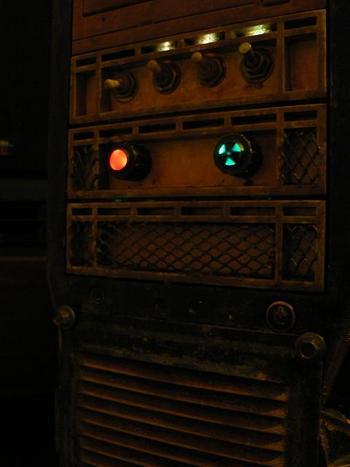 Модель: Aerocool.  Доработана передняя панель, тумблеры заменены, установлены индикаторы работы реобаса...