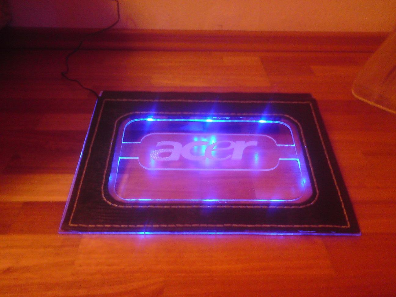 Подставка для ноутбука с подсветкой