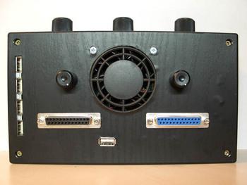 Внешний реобас и LCD дисплей в одном флаконе с приправой из USB хаба, индикаторов и прочих вкусностей.
